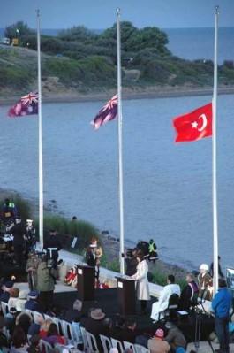 Anzak Koyu'nda 25 Nisan'da Düzenlenen Törenden Bir Görüntü