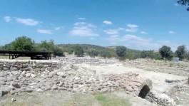 Çanakkale'nin Ayvacık İlçesine Bağlı Gülpınar Beldesi Bahçeleriçi Mevkiinde Yer Alan Apollon Smintheus Tapınağı