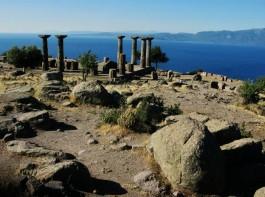 Assos Antik Kentindeki Athena Tapınağı Kalıntıları
