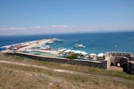 Bozcaada Kalesi'nden Limanın Görünümü