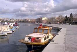 Kordon Boyunda Bağlı Balıkçı Tekneleri