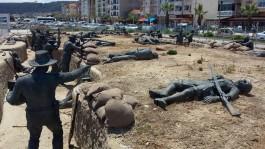Eceabat'ta Sahil Kesiminde Yer Alan 'Tarihe Saygı Parkı'