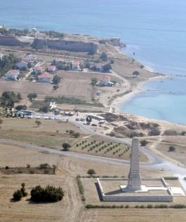 Gelibolu Yarımadası'ndaki Helles (İngiliz) Anıtının Havadan Görünümü