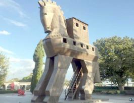 Troia Antik Kenti'ndeki Tahta At'tan Genel Görünüm