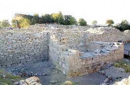 Troia Antik Kenti'ndeki Tarihi Duvarlar