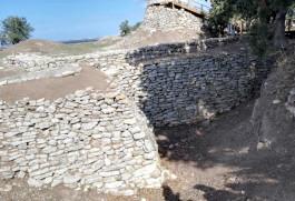 Troia Antik Kenti'ndeki Taş Duvarlar