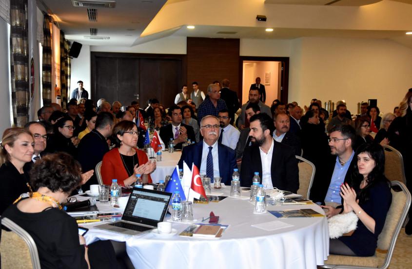 """""""Akıllı Şehir"""" Vizyonu Çanakkale'de Mercek Altına Alındı"""