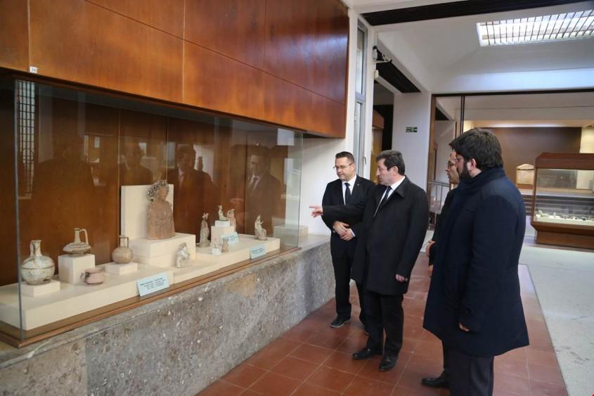 Vali Tavlı, Çanakkale Arkeoloji Müzesi'nde İncelemelerde Bulundu