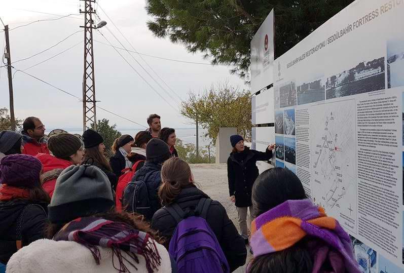 Koç Üniversitesi Arkeoloji Bölümü Tarihi Alanı Gezdi