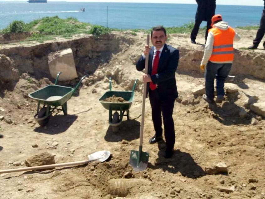 Seddülbahir Kalesi'nde Tarihi Top Mermileri Gün Yüzüne Çıktı