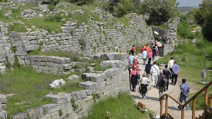 Troia Antik Kenti'ne Ziyaretçi Akını